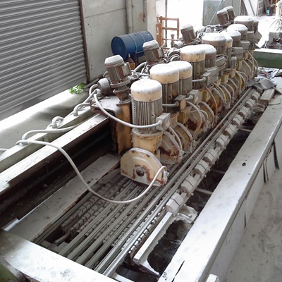 Cross cutting machine with 11 heads for granite
